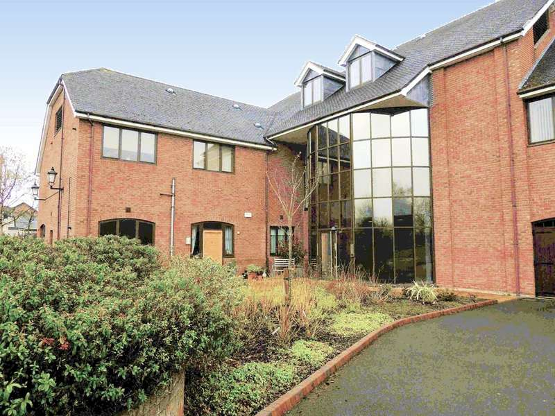 2 Bedrooms Ground Flat for sale in Stratford Road, Hockley Heath, Solihull