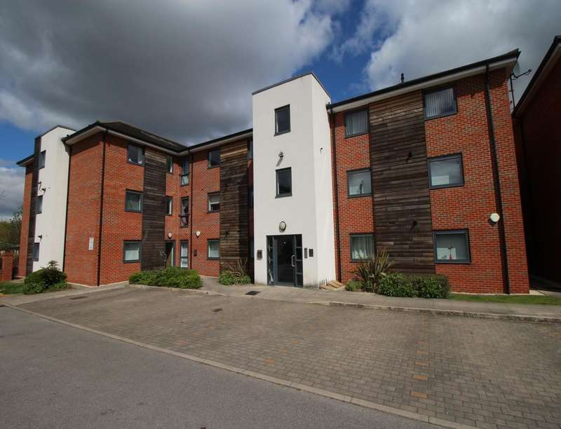 2 Bedrooms Flat for sale in Rectory Court Mere Lane, Armthorpe, Doncaster, DN3