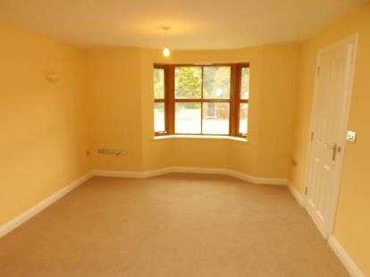 3 Bedrooms Semi Detached House for sale in Plas Newydd, Llanbedr, Gwynedd, LL45