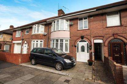 3 Bedrooms Terraced House for sale in St. Augustine Avenue, Luton