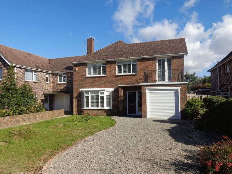 4 Bedrooms Detached House for sale in The Boulevard, Goring