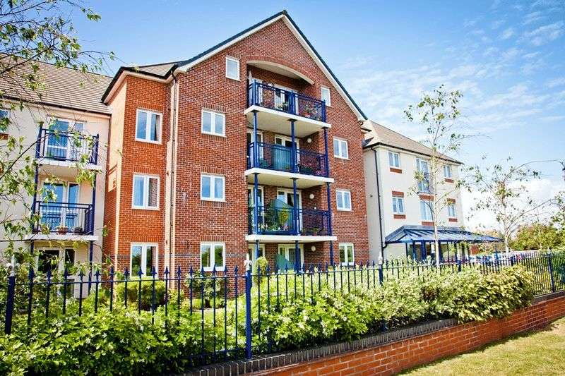 2 Bedrooms Retirement Property for sale in Riverland Court, Christchurch, BH23 1JW