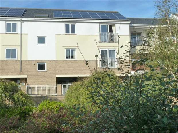 2 Bedrooms Flat for sale in Broad Landing, South Shields, Tyne and Wear