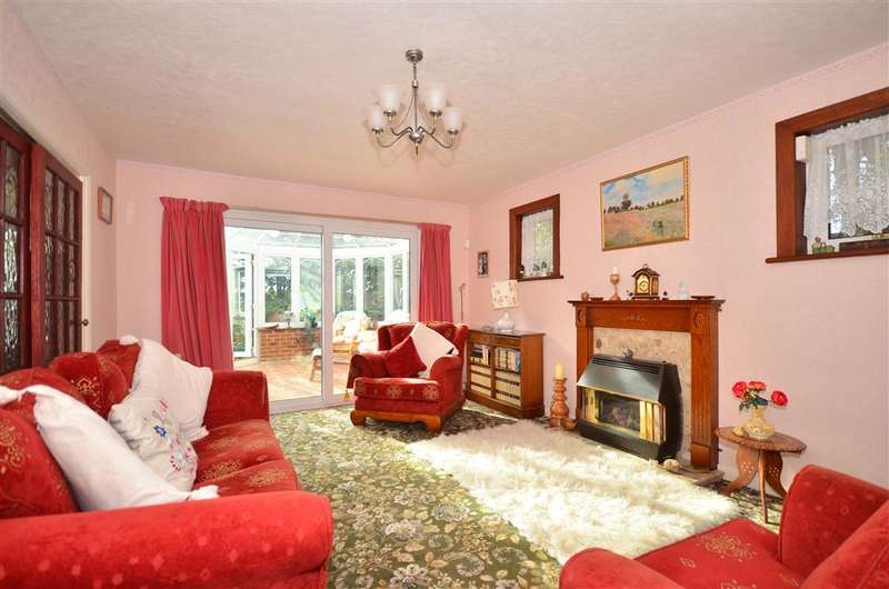 4 Bedrooms Detached House for sale in Lower Road, Adgestone, Sandown, Isle of Wight