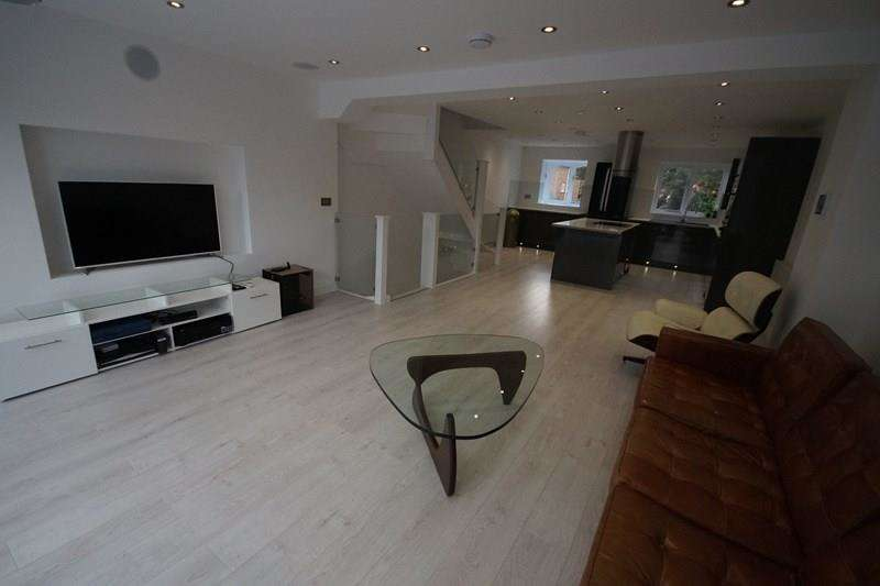4 Bedrooms Town House for sale in Belle Vue Road, Lower Parkstone