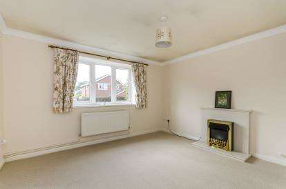 3 Bedrooms Bungalow for sale in Locks Heath, Hampshire, England