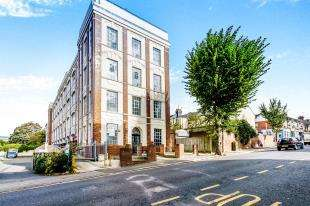 1 Bedroom Flat for sale in The Deco Building, Coombe Road, Brighton, East Sussex