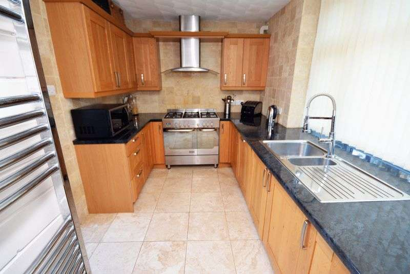 4 Bedrooms Detached House for sale in Melville Avenue, Old St. Mellons, Cardiff