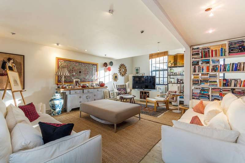 2 Bedrooms Mews House for sale in Mount Pleasant Hill, Clapton, E5