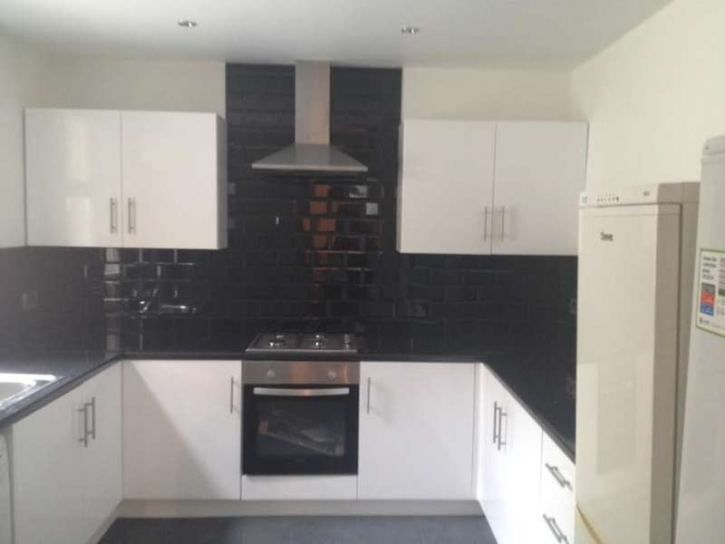 6 Bedrooms Terraced House for rent in Grimthorpe Street, Headingley, LS6