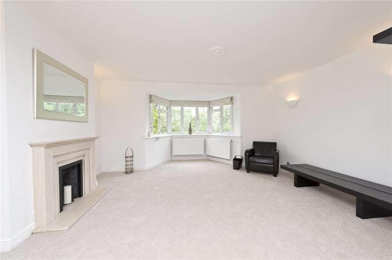 2 Bedrooms Flat for sale in Kent House, Courtlands, TW10