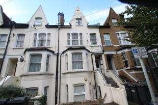 1 Bedroom Flat for sale in Heathfield Road, Croydon, Surrey, .