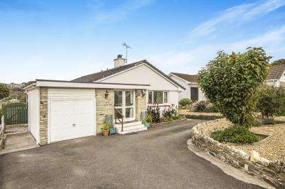 3 Bedrooms Bungalow for sale in Bodmin