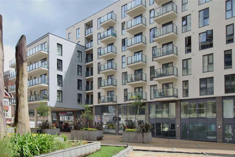 2 Bedrooms Apartment Flat for sale in Cardinal Place, Guildford Road, Woking, Surrey, GU22