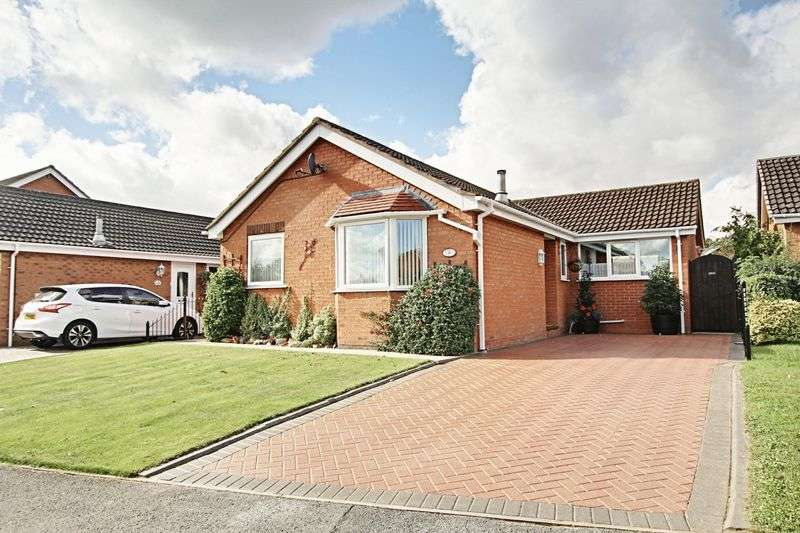2 Bedrooms Detached Bungalow for sale in Rowan Avenue, Beverley