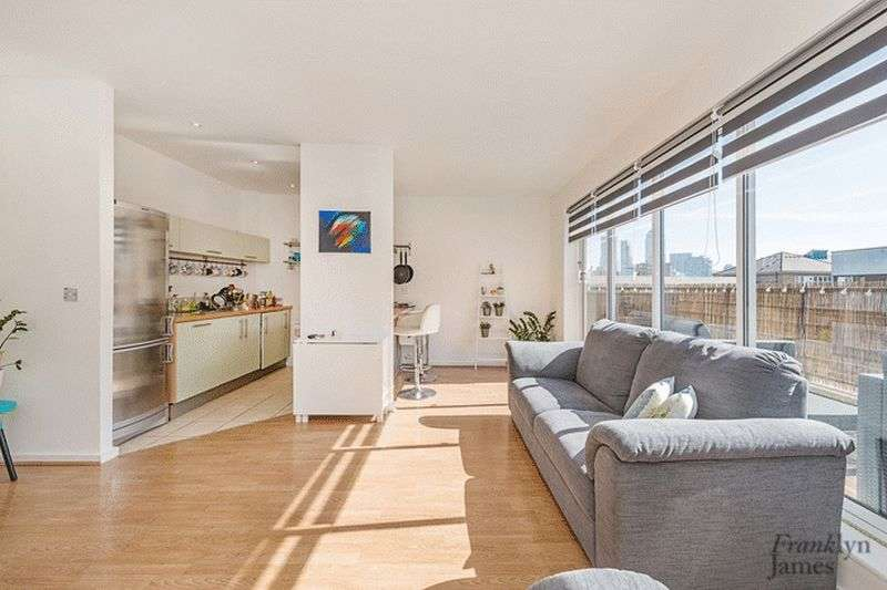 2 Bedrooms Flat for sale in Ladyfern House, Bow, E3