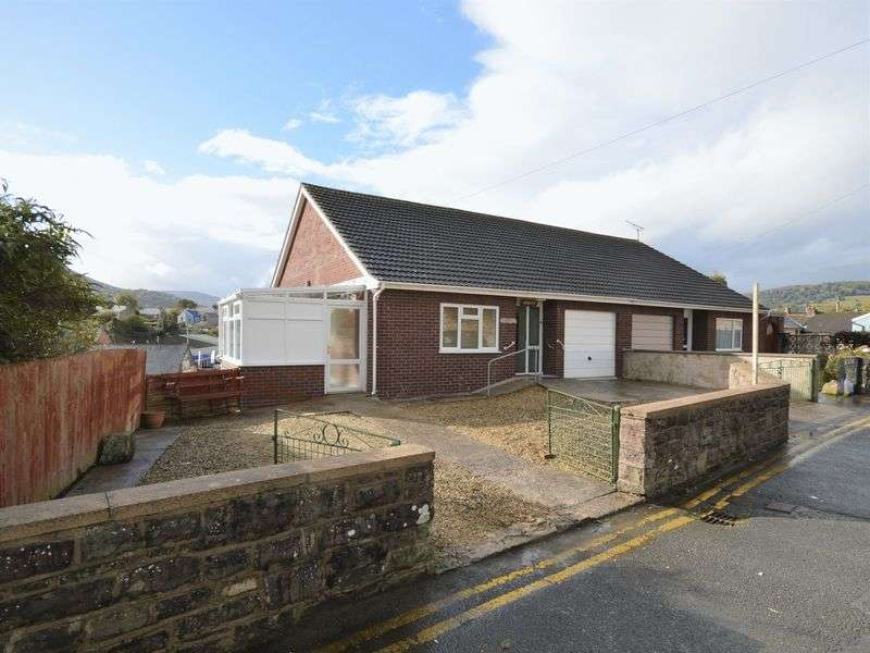 3 Bedrooms Semi Detached House for sale in Pant Lane, Abergavenny