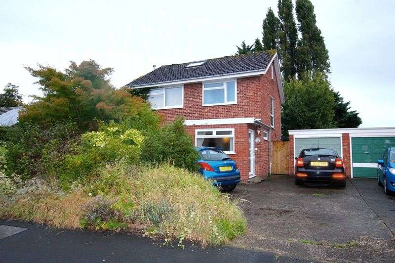 4 Bedrooms Detached House for sale in Harwoods Lane, Wrexham