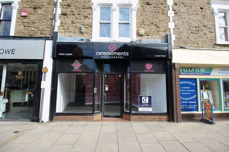 Flat for sale in Lavant Street, Petersfield