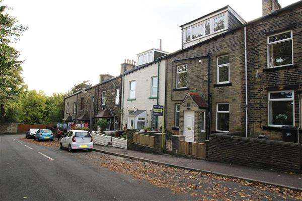 3 Bedrooms Terraced House for sale in Belgrave Street, Sowerby Bridge