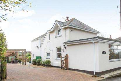 3 Bedrooms Detached House for sale in Yelverton, Devon