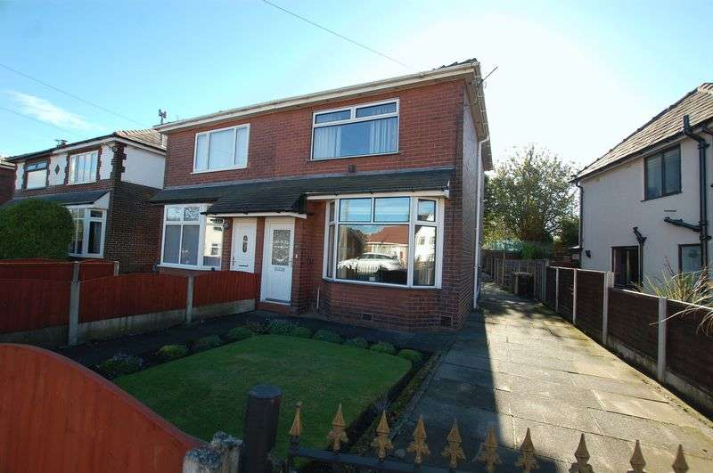 2 Bedrooms Semi Detached House for sale in Oxford Road, Little Lever, Bolton