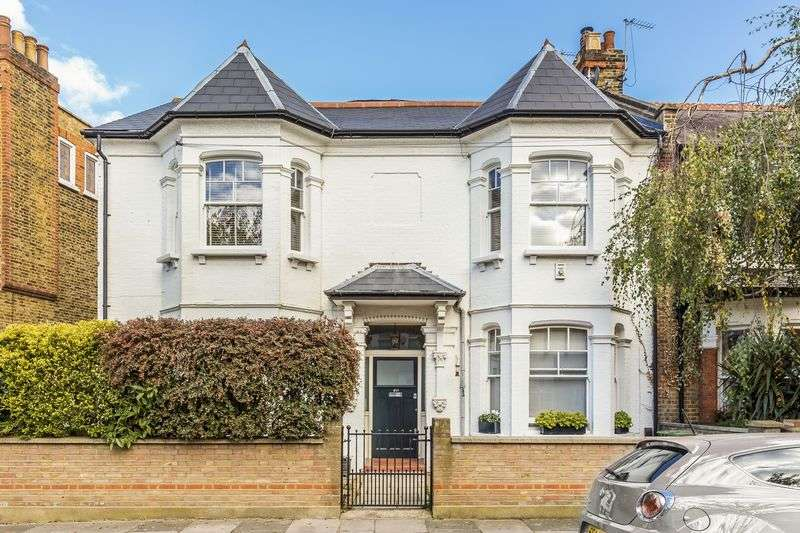 3 Bedrooms Flat for sale in Cleveland Gardens, Barnes, London, SW13