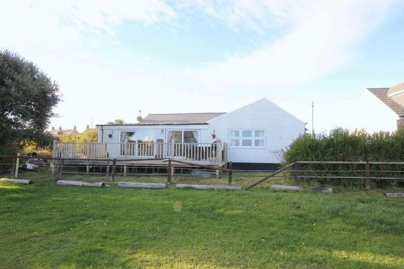 3 Bedrooms Detached Bungalow for sale in Meols Parade, Meols, Wirral