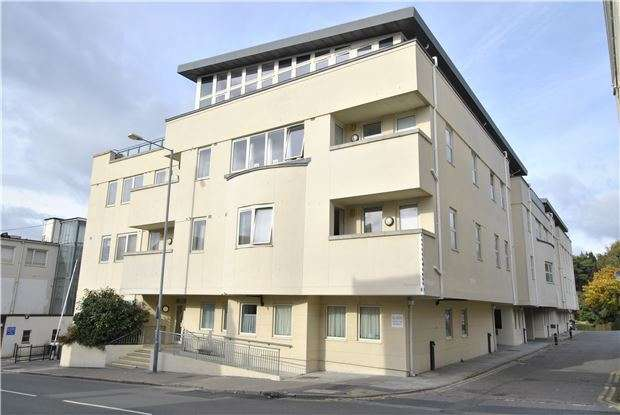 2 Bedrooms Flat for sale in Grove Hill Road, TN1 1SA