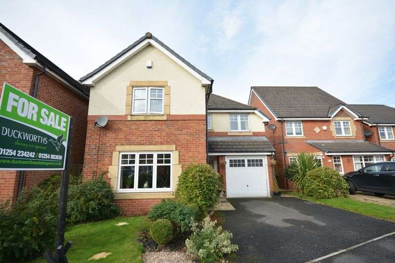 4 Bedrooms Detached House for sale in Bluebell Way, Huncoat