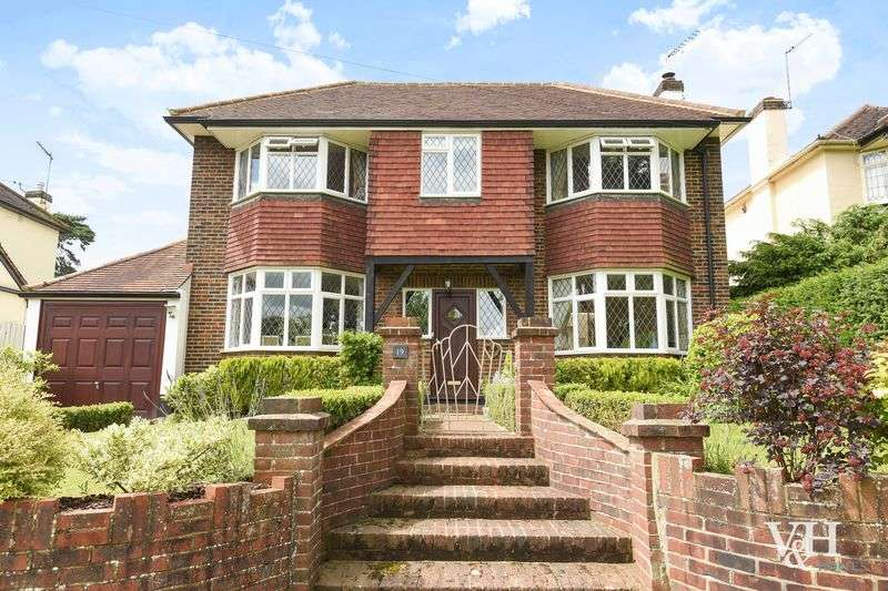 4 Bedrooms Detached House for sale in The Street, Fetcham