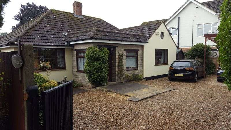 3 Bedrooms Detached Bungalow for sale in Tiverton Close, North Woodley
