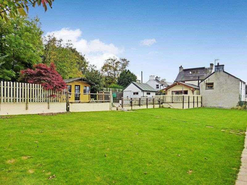 4 Bedrooms Detached House for sale in Waen Pentir