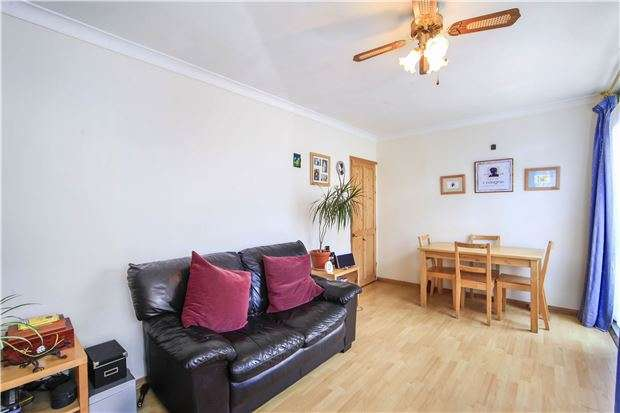 3 Bedrooms Maisonette Flat for sale in Victoria Drive, London, SW19 6AE