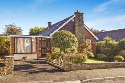 4 Bedrooms Bungalow for sale in Risedale Drive, Longridge, Preston, Lancashire, PR3