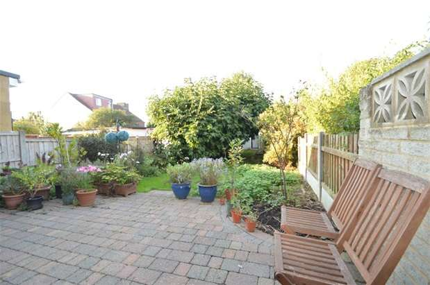 3 Bedrooms House for sale in Salisbury Avenue, Barking