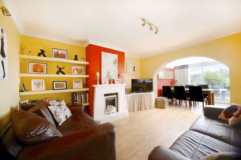 3 Bedrooms Semi Detached House for sale in James Road, Dorchester, DT1