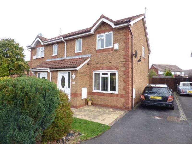 3 Bedrooms Semi Detached House for sale in Fernbank Drive,Netherton