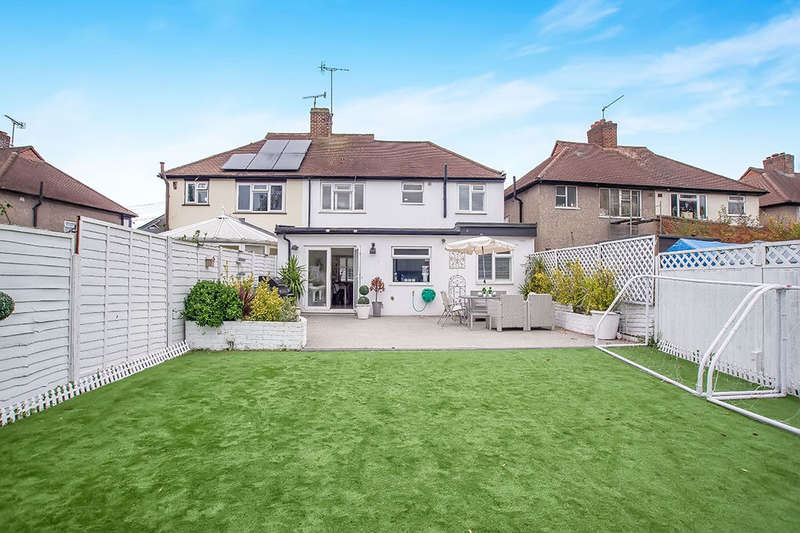 4 Bedrooms Semi Detached House for sale in Hollington Crescent, New Malden, KT3