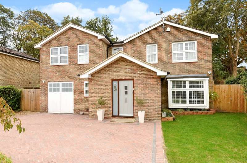 5 Bedrooms Detached House for sale in Stavely Gardens, Chichester, PO19