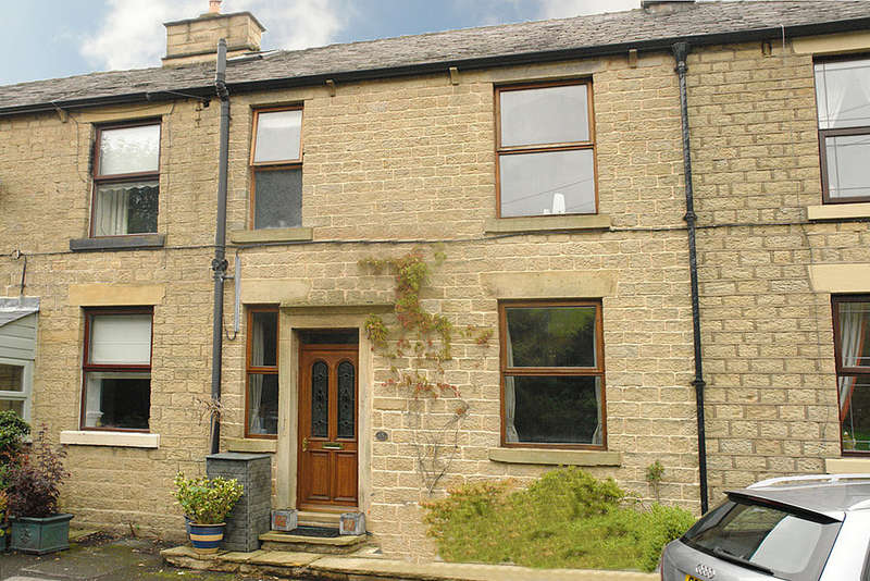 3 Bedrooms Terraced House for sale in Buckley Buildings, Huddersfield Road, Mossley