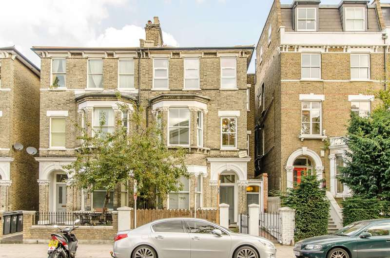 2 Bedrooms Flat for sale in South Lambeth Road, Vauxhall, SW8