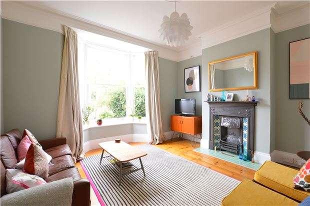 2 Bedrooms Terraced House for sale in Gordon Road, SEVENOAKS, Kent, TN13 1HE