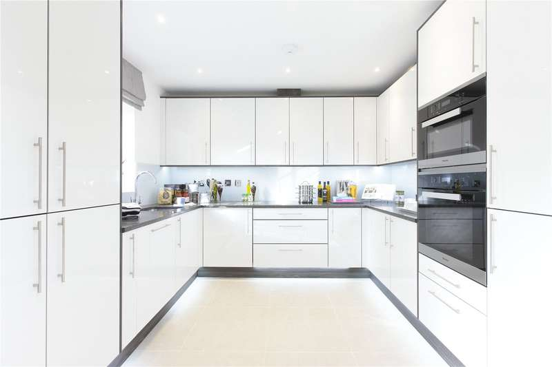 2 Bedrooms Ground Flat for sale in Rembrandt Place, Hagden Lane, WD18