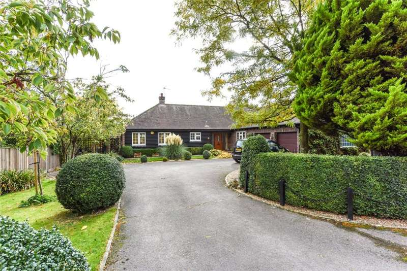 3 Bedrooms Detached Bungalow for sale in Admirals Walk, Funtington, Chichester, West Sussex, PO18