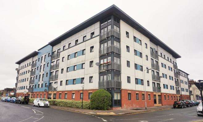 2 Bedrooms Flat for sale in Spring Street, Hull, Kingston upon Hull, HU2 8RD