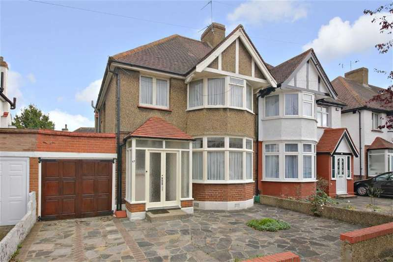 3 Bedrooms Property for sale in Colne Road, Winchmore Hill, London