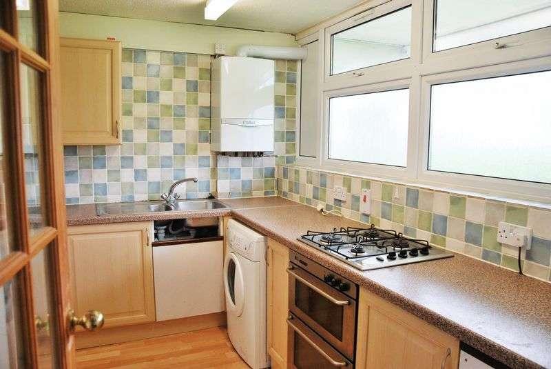 2 Bedrooms Flat for sale in Bishopdown Road, Salisbury