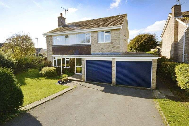 4 Bedrooms Detached House for sale in Capitol Close, Dorchester, DT1