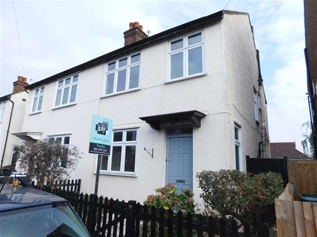 4 Bedrooms Semi Detached House for sale in Minniedale, Surbiton